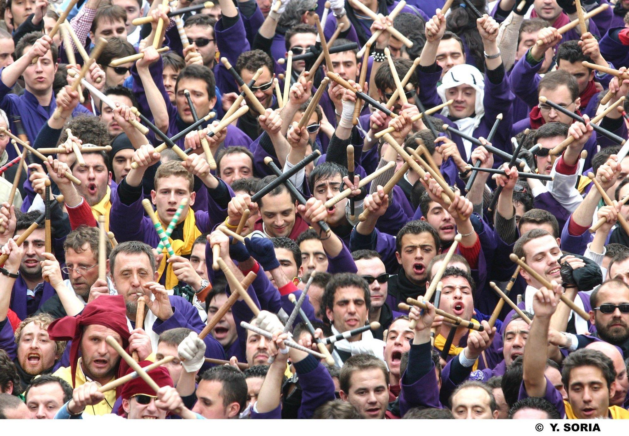 S.La lluvia, el granizo e incluso la nieve obligan a suspender la procesión de »Las Turbas» de Cuenca