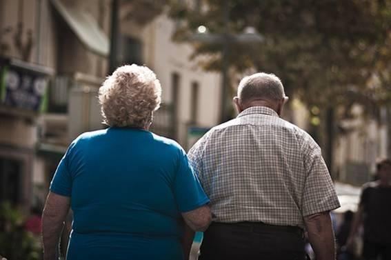 Valencia de Alcántara es la localidad extremeña con la población más envejecida, con un 26% de mayores de 65 años