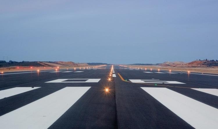 Johnson dice que se buscará un gestor externo para «desarrollar al máximo el potencial» del aeropuerto de Castellón