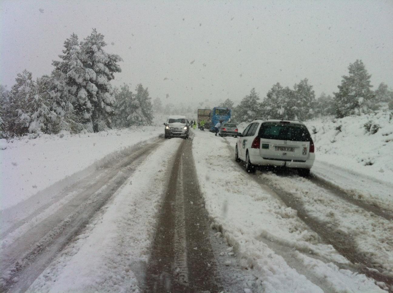 Siete provincias están en alerta por nieve este sábado, que dejará fuertes lluvias en el Cantábrico
