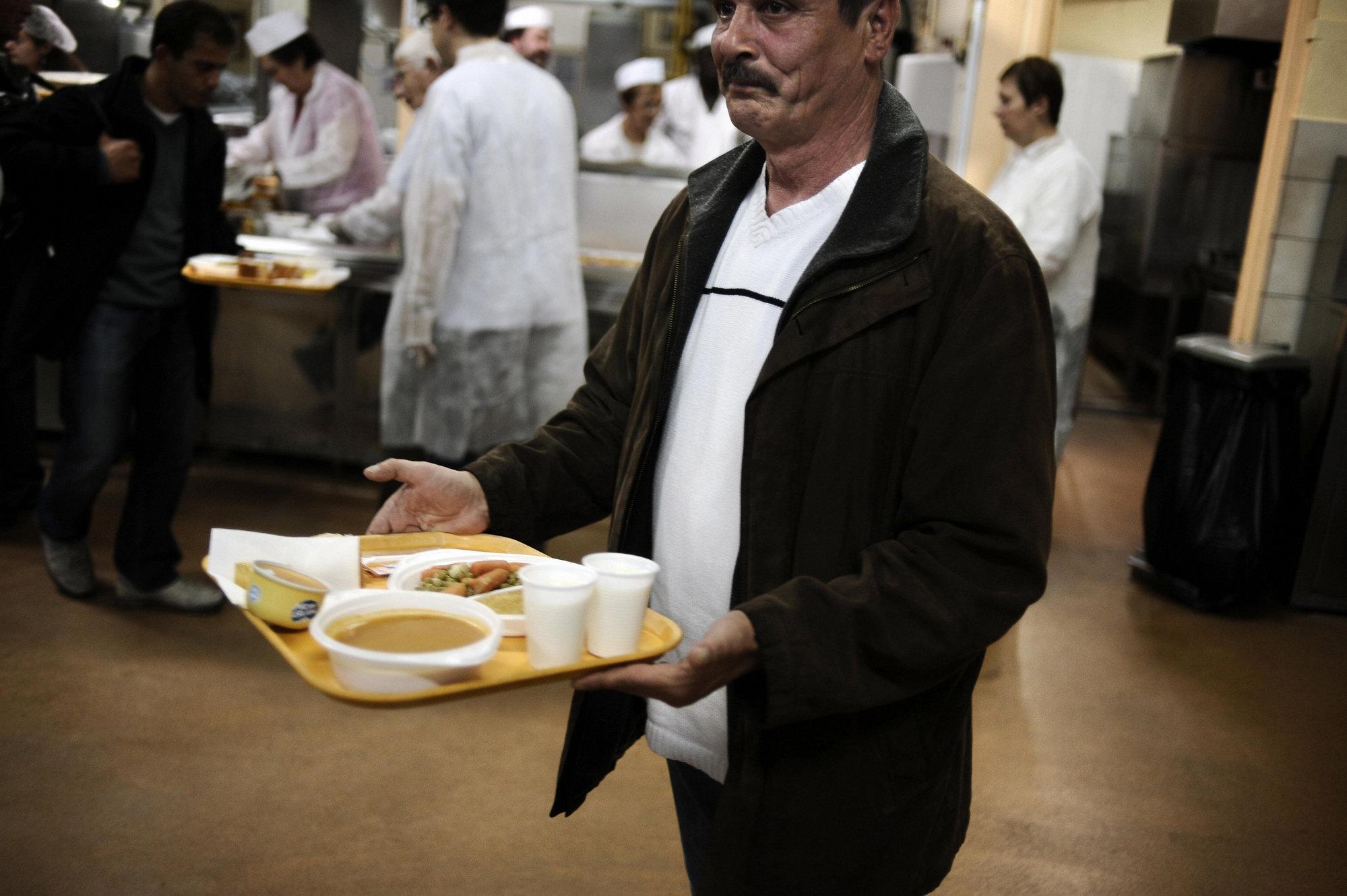 La demanda en comedores sociales crece un 225% y ya hay lista de espera
