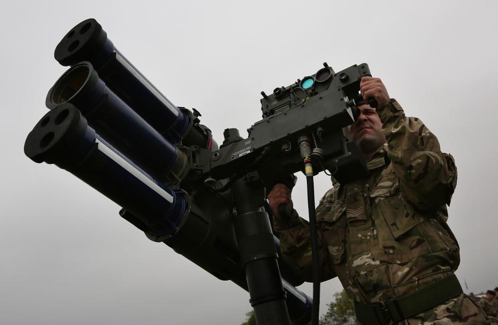 Los ajustes en el Reino Unido llegan al ejército, que despedirá a 20.000 soldados