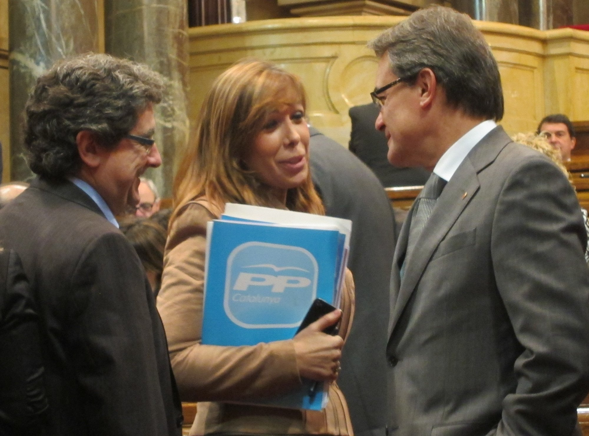 Camacho (PP) exigirá este jueves a Mas realismo ante sus ansias independentistas