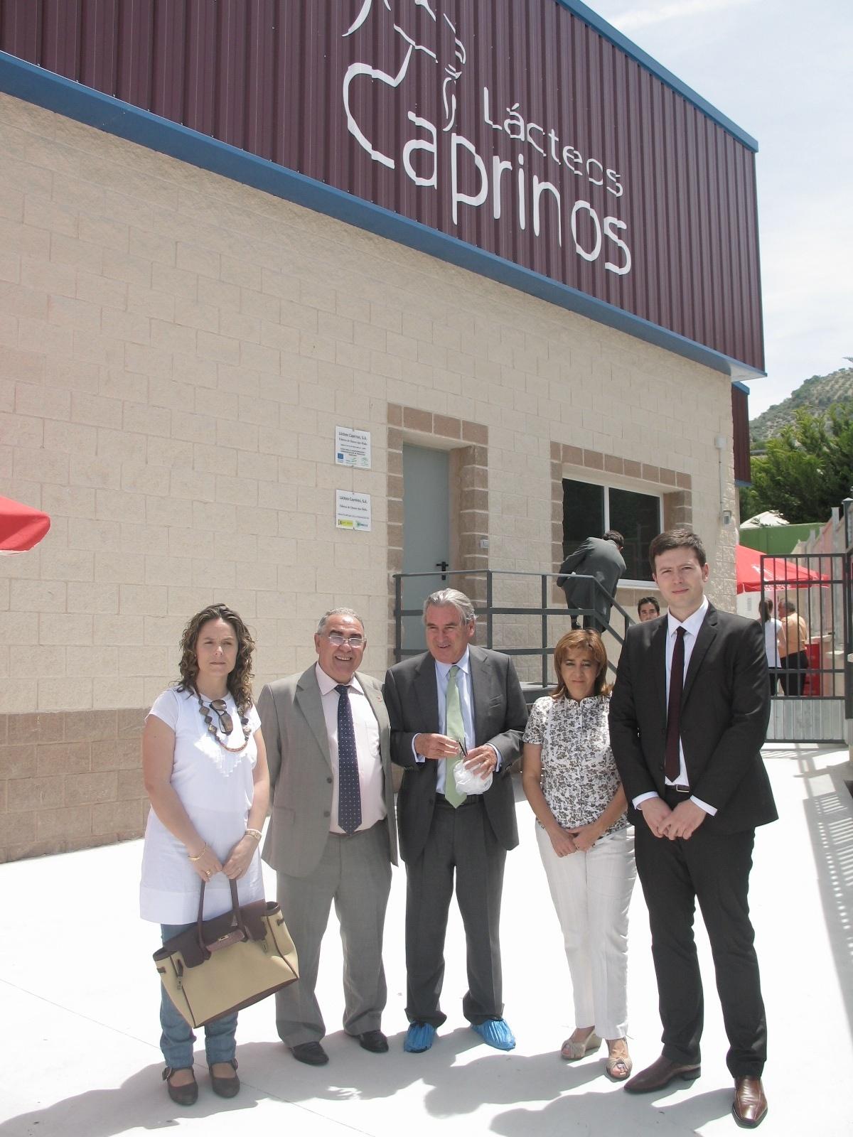 Inaugurada la fábrica quesos Lácteos Caprinos en Campillo de Arenas, donde se ha invertido casi dos millones