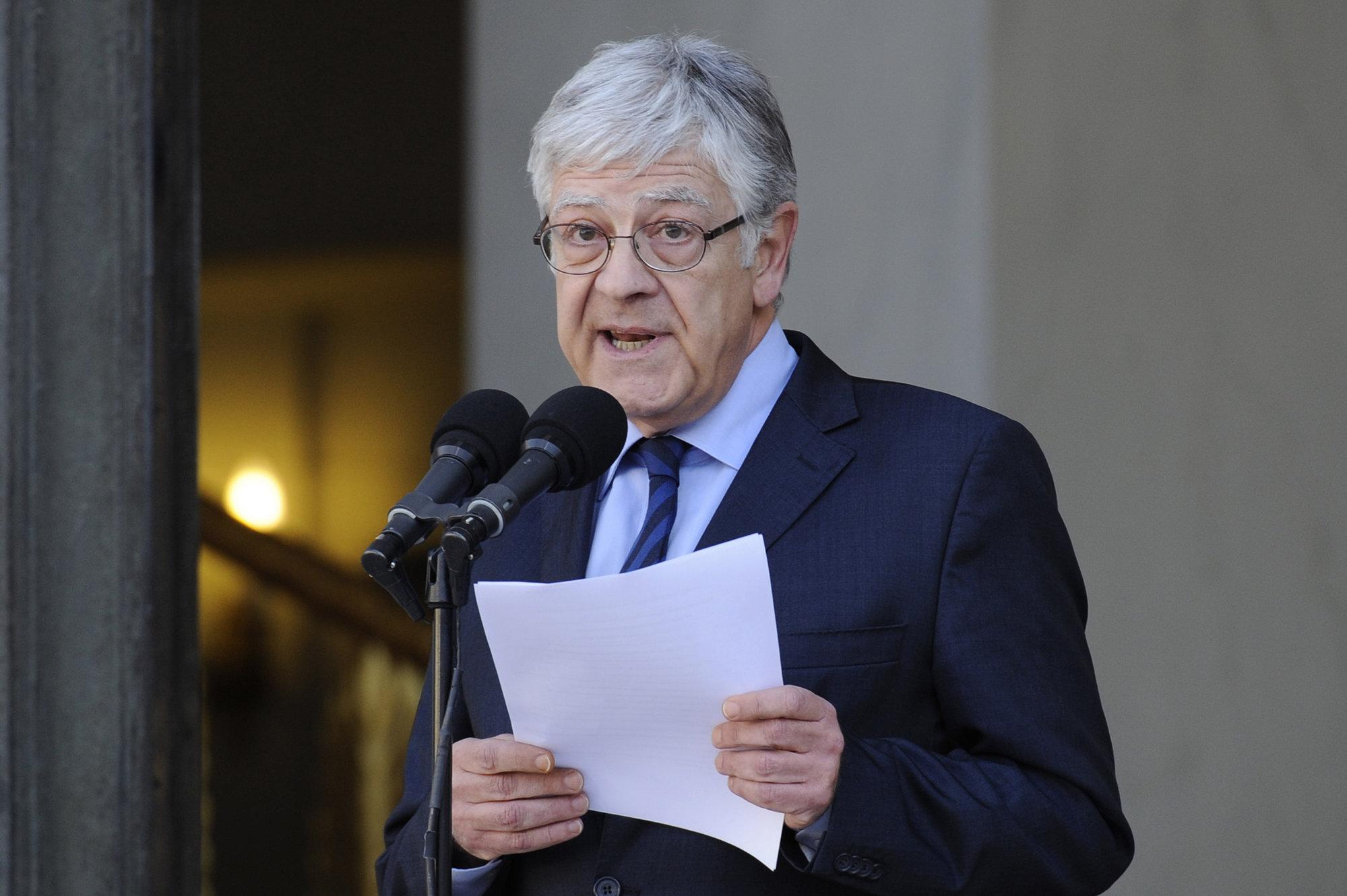 Francia tendrá por primera vez un gobierno paritario formado por 34 ministros