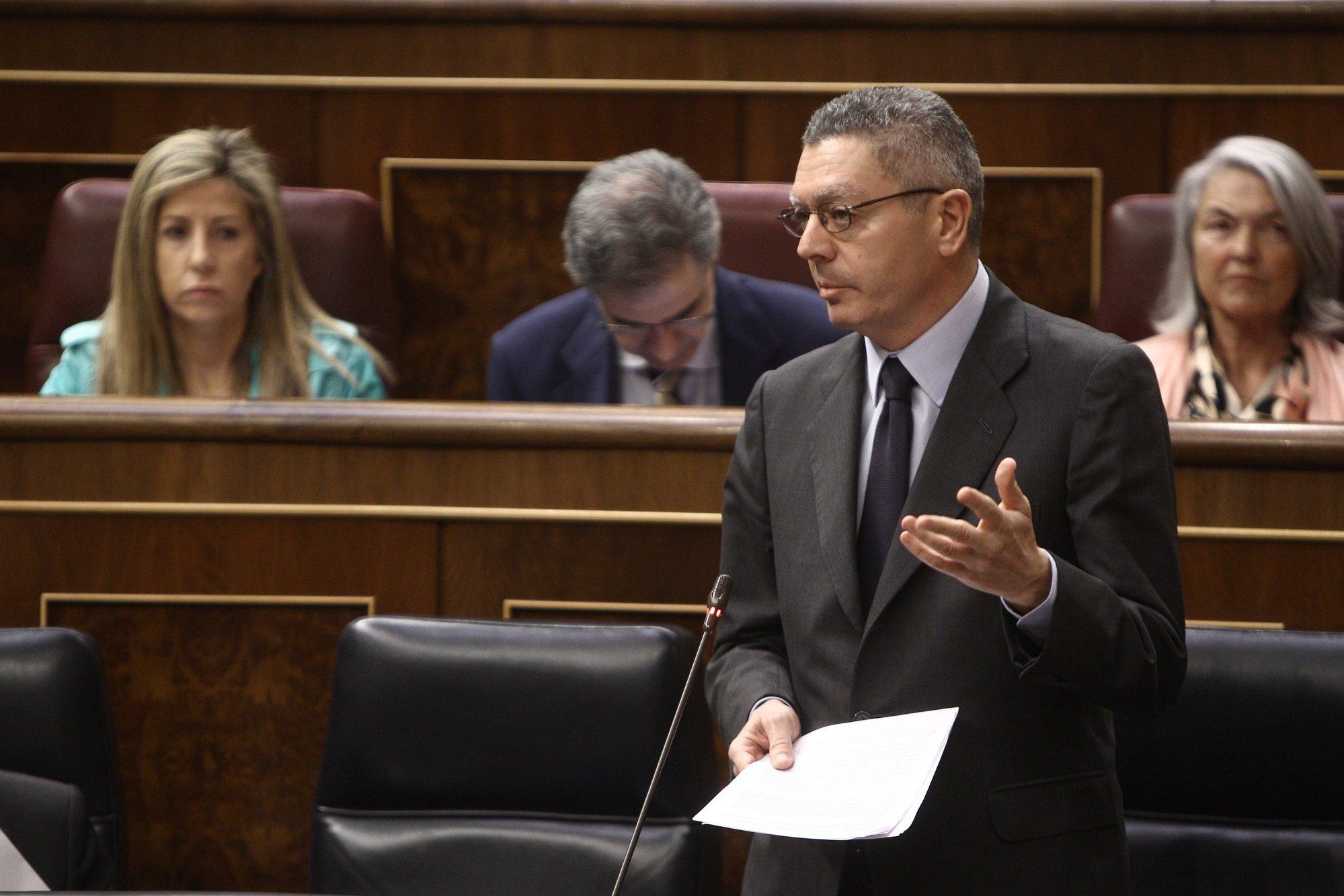 El PSOE exige a Gallardón que se disculpe por «mentir» en el Congreso sobre el recorte de partidos judiciales