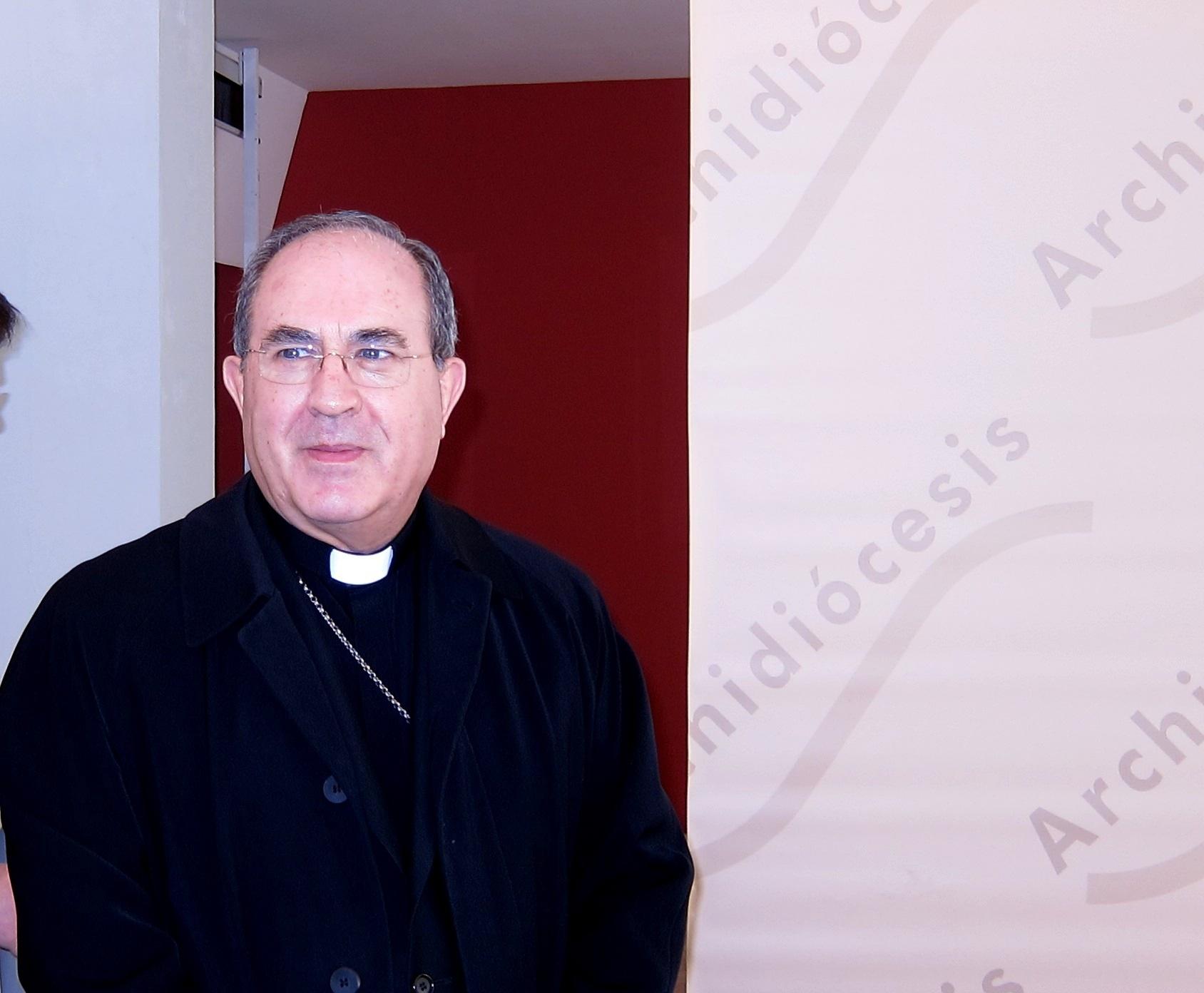 Asenjo pide marcar la casilla de la Iglesia en la renta para «seguir socorriendo a las víctimas de la crisis»