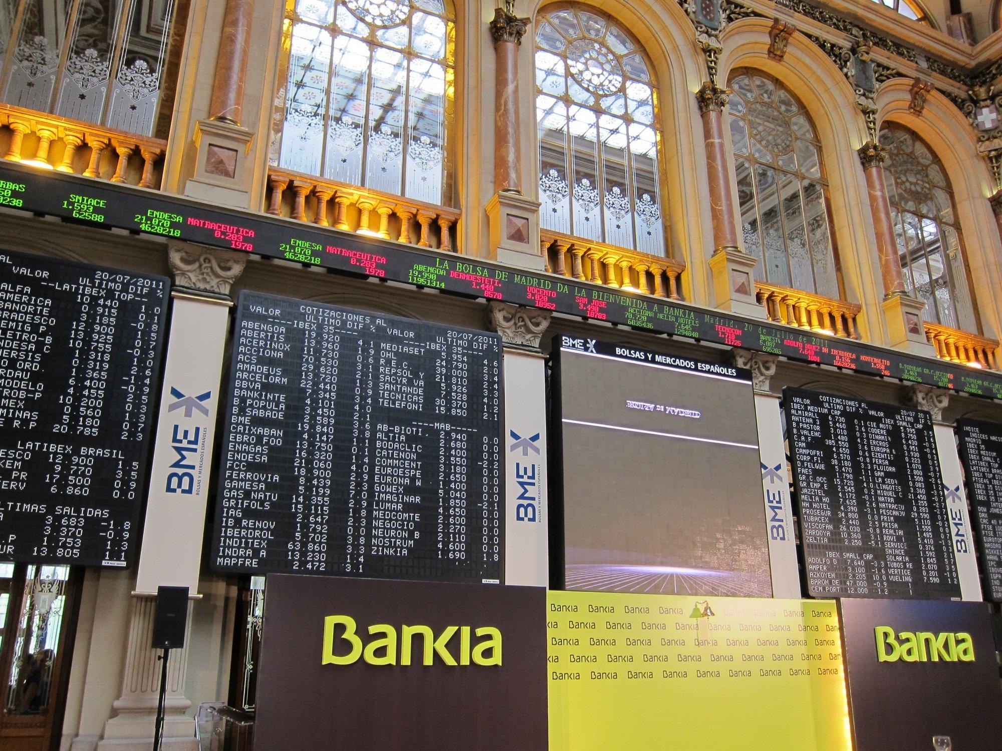 Las acciones de Bankia se precipitan un 14% y el Gobierno se apresura a tranquilizar a los ahorradores