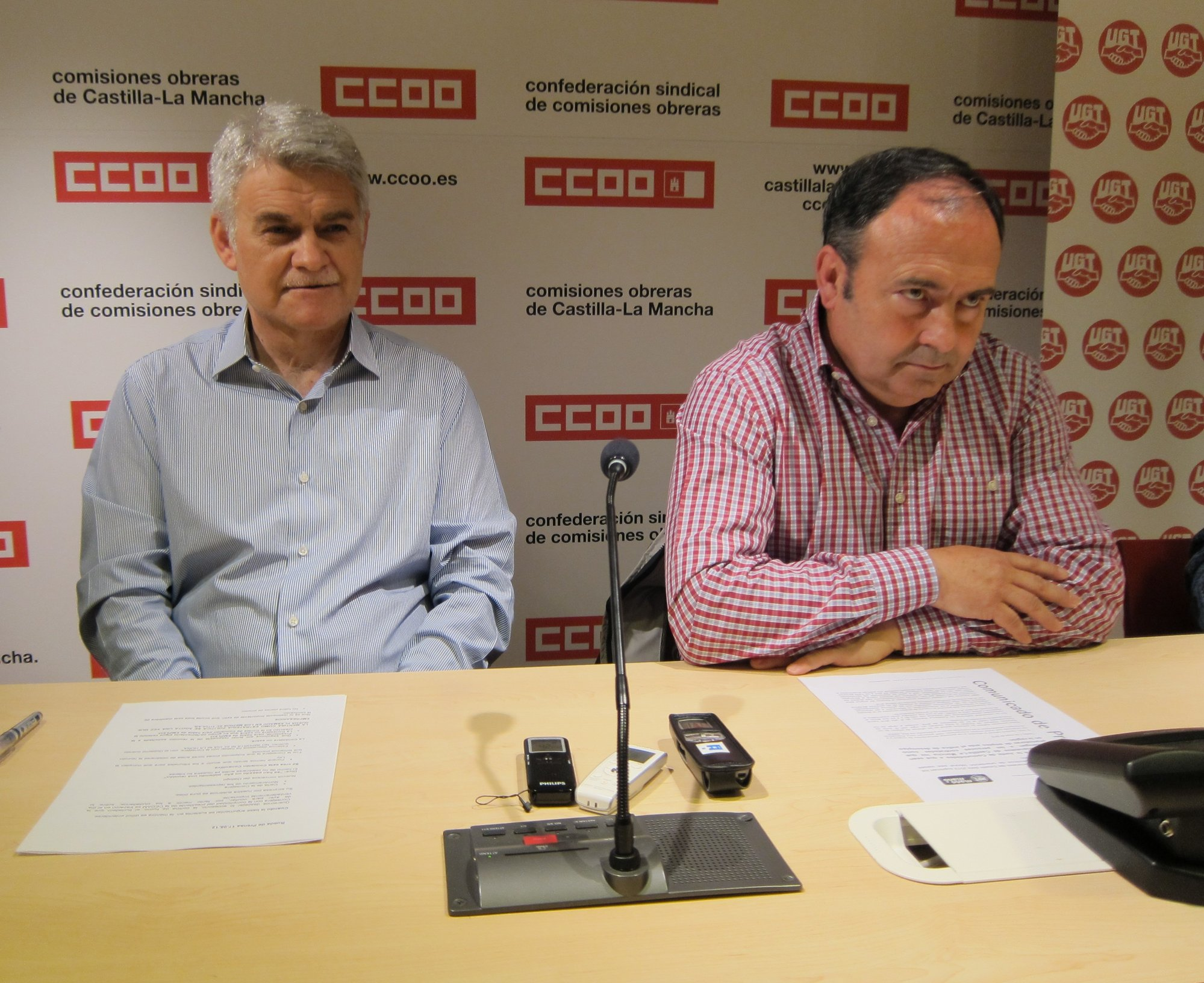 CCOO y UGT acusan a Cospedal de dejar a unos 22.000 desempleados en «la miseria» al casi suprimir los planes de empleo