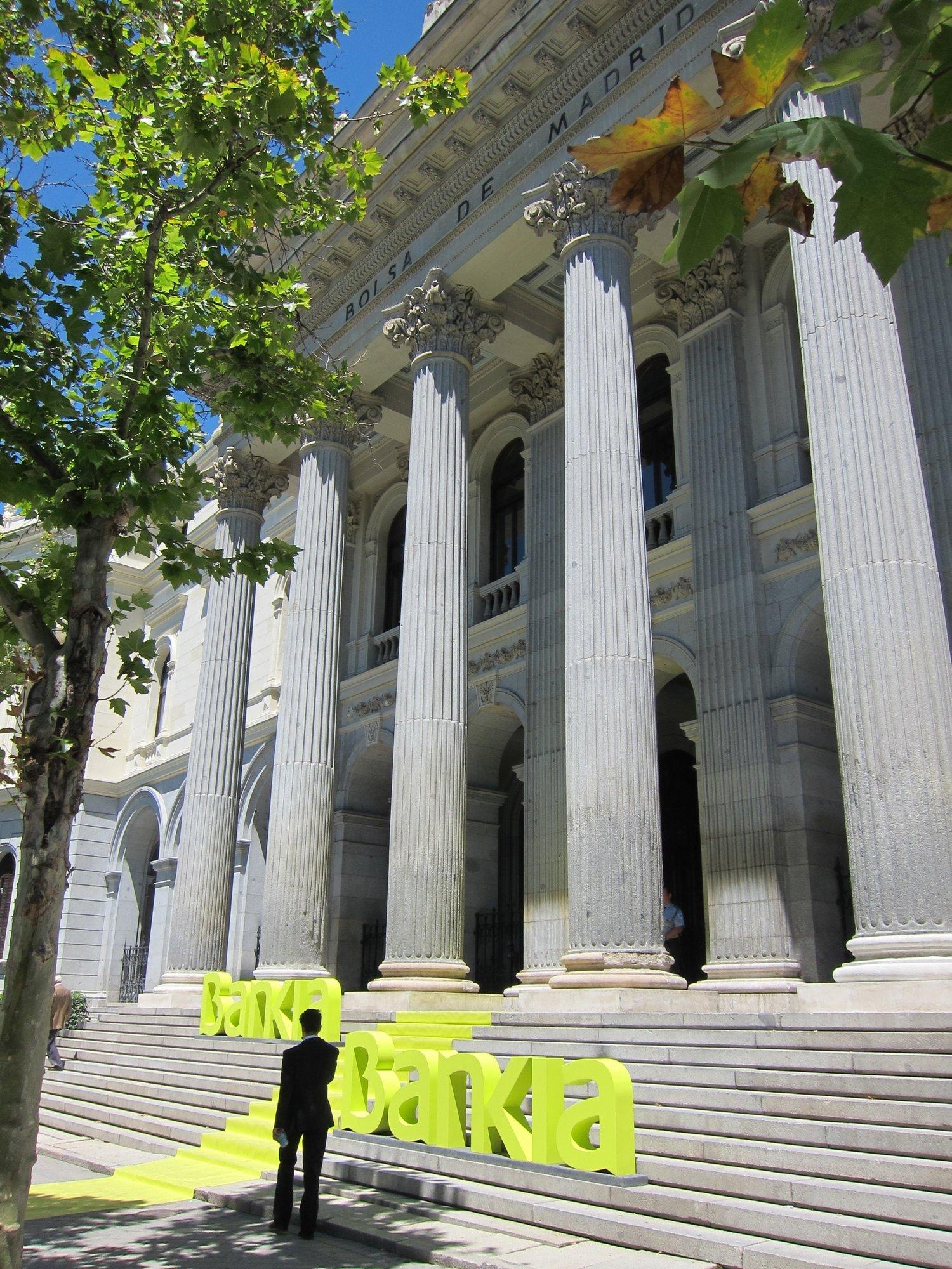 La CNMV afirma que el descalabro de Bankia en Bolsa no justifica que se suspenda su cotización