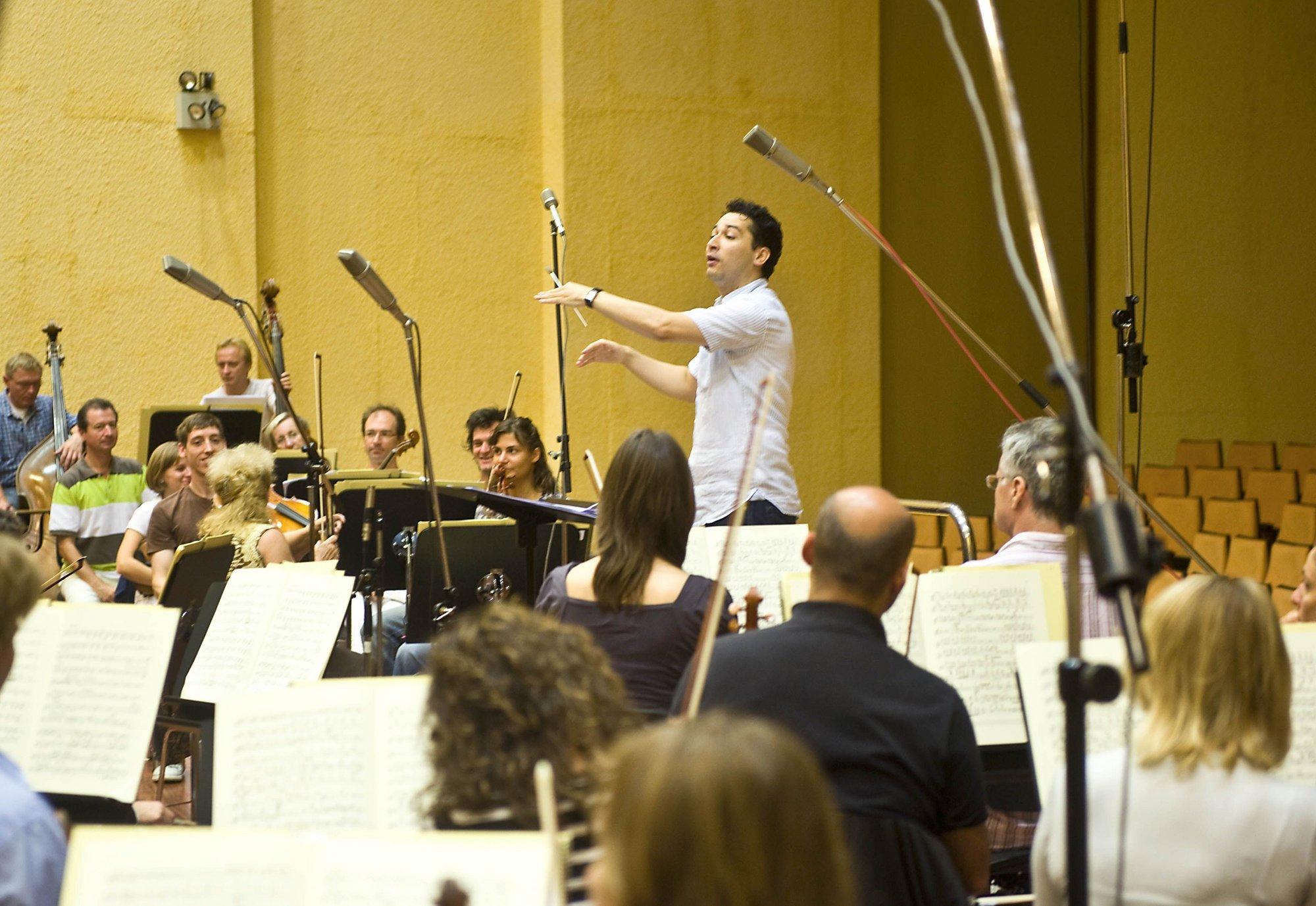 El violoncellista Daniel Müller-Schott ofrece este sábado un recital dentro de las Matinées de Miramón de la OSE