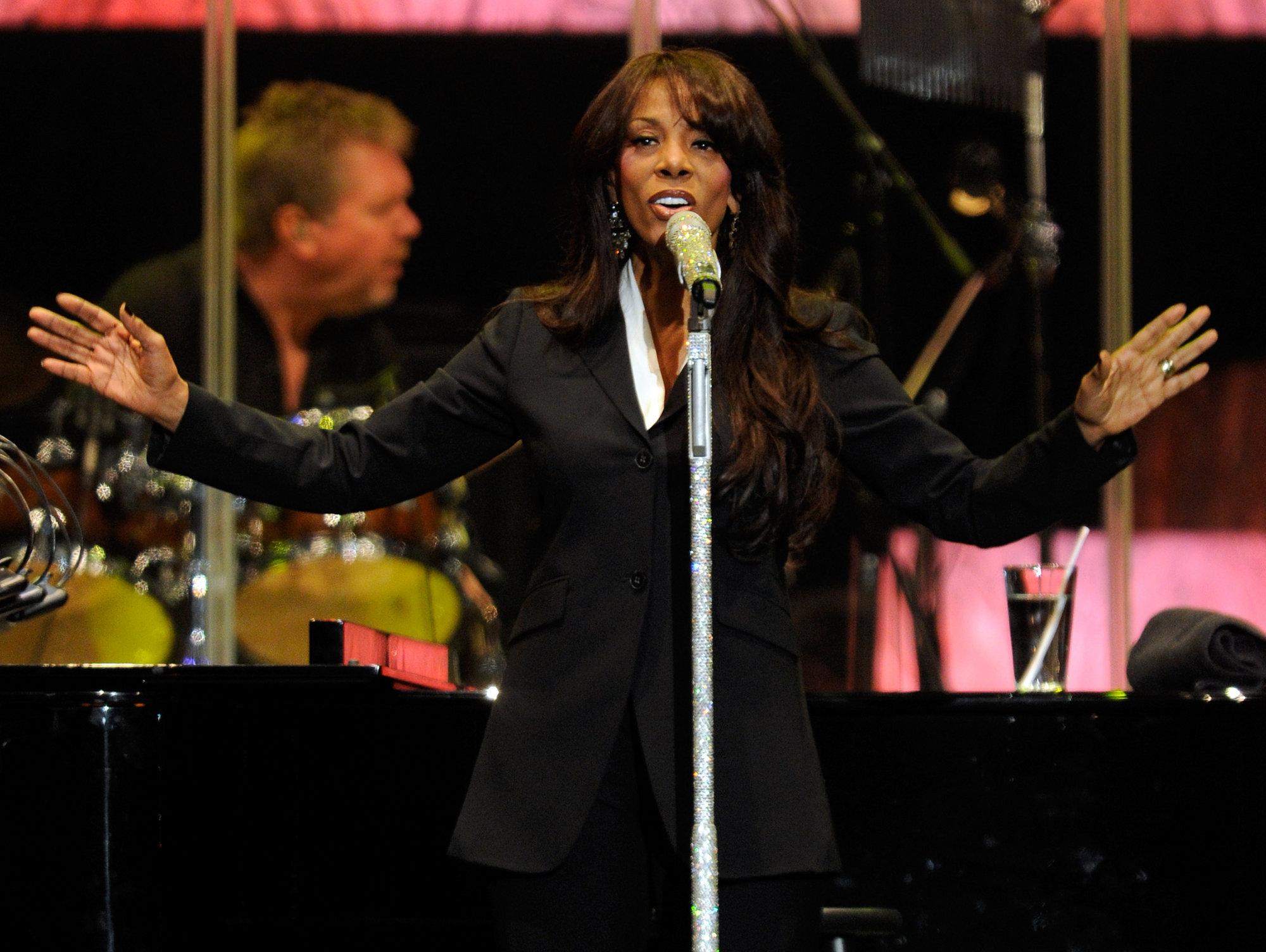 La reina de la música disco, Donna Summer, fallece víctima de un cáncer