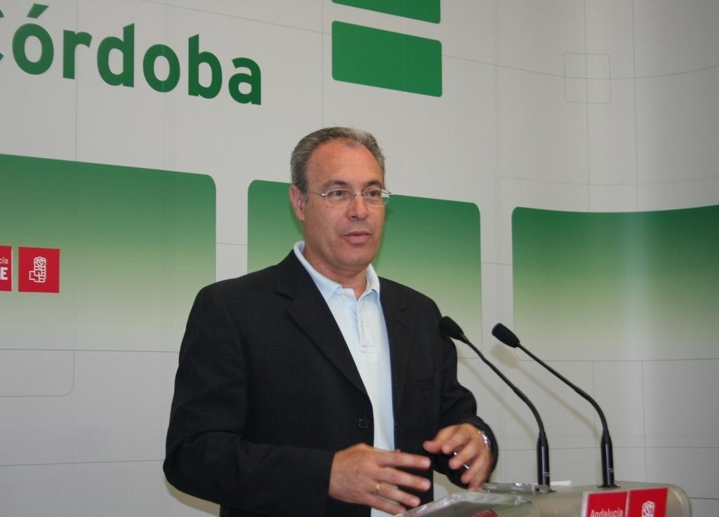Durán, que opta a ser reelegido secretario general del PSOE, se compromete a cambios internos