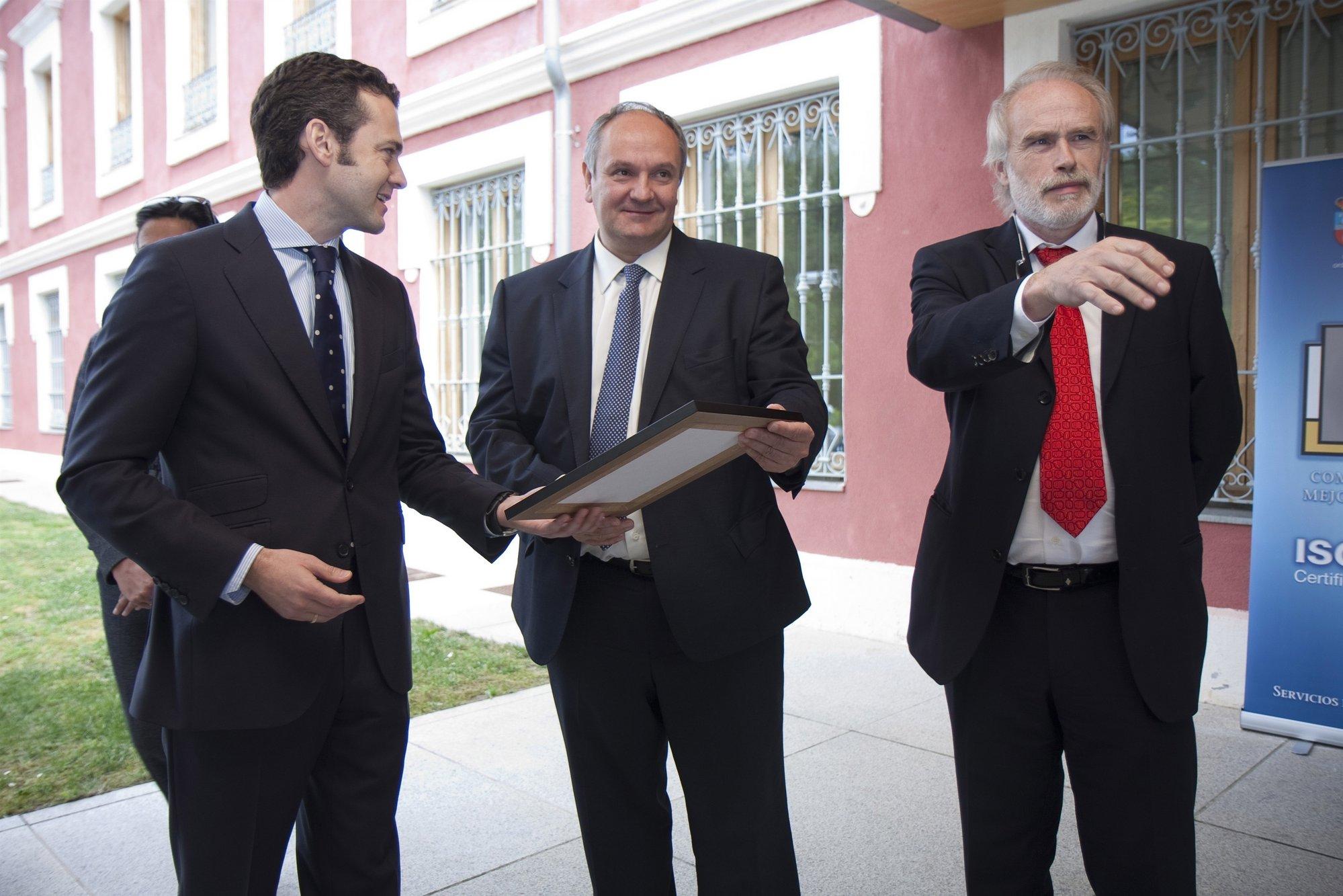 Fernández dice que el certificado ISO 9001 concedido a MARE muestra «el camino a seguir»