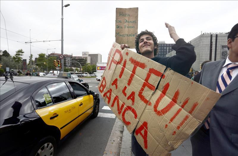 Finaliza sin incidentes el desalojo de La Diagonal de Barcelona