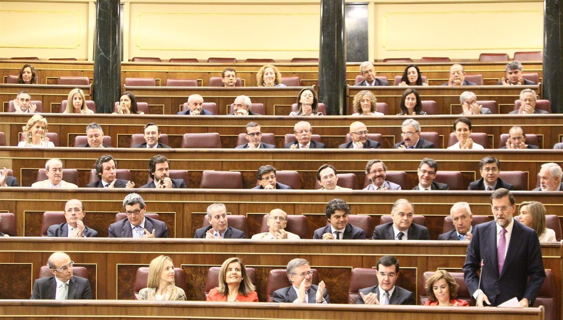 Floriano dice que cuando Rosa Díez «ha tenido que elegir», lo ha hecho «volviendo siempre a sus orígenes» con PSOE e IU