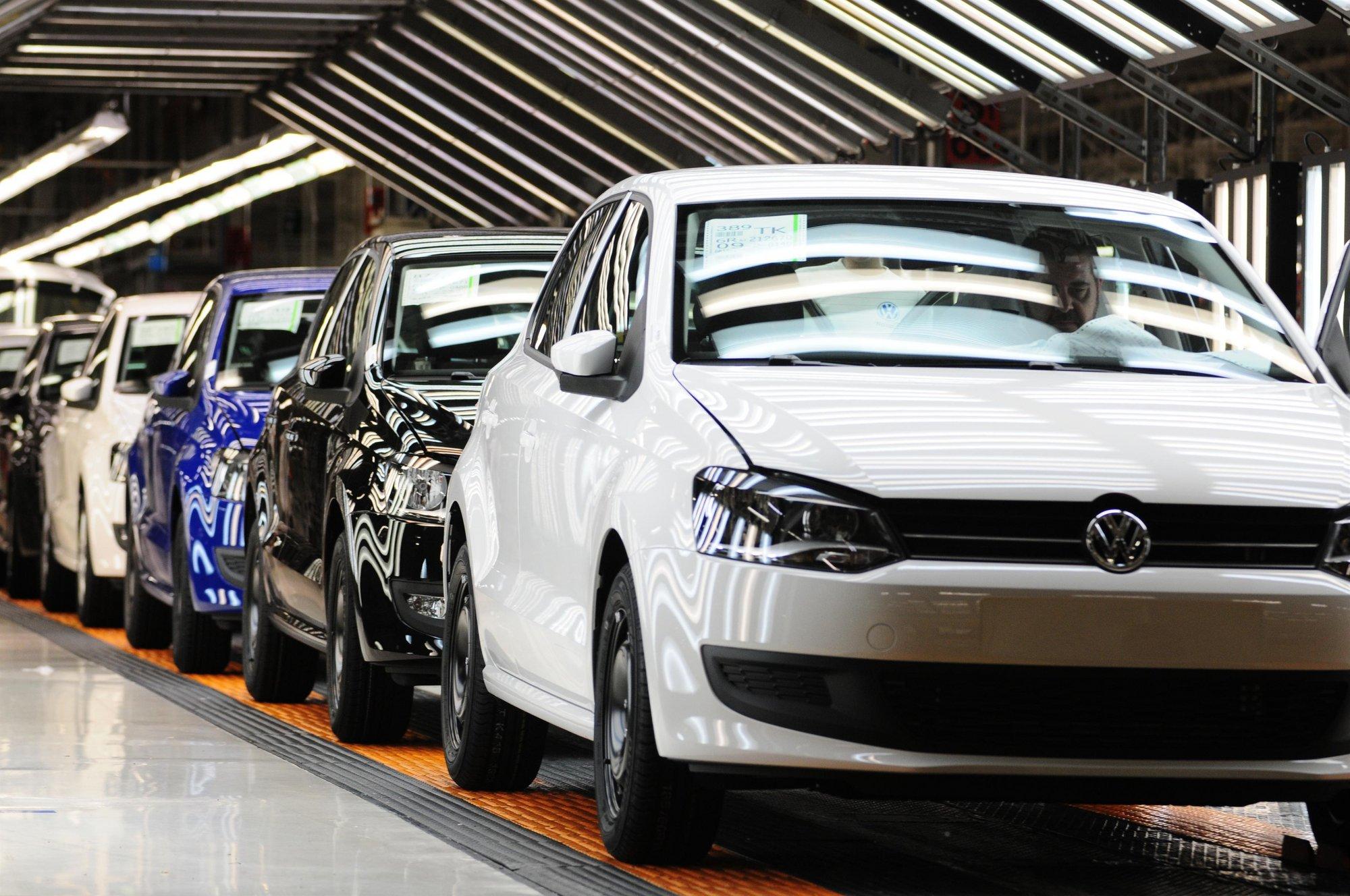 El Gobierno de Navarra firma un convenio con Volkswagen Navarra para la contratación de 11 ingenieros superiores