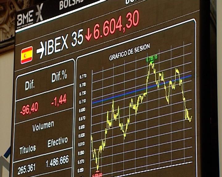 El Ibex cae un 1,11% y cede la cota de los 6.600 puntos por primera vez en nueve años