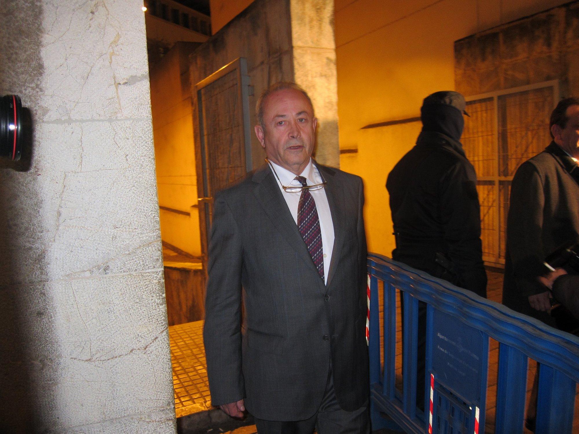 Matas se queja ante la Fiscalía General por el trato que recibe frente a los cargos de Cataluña y Valencia