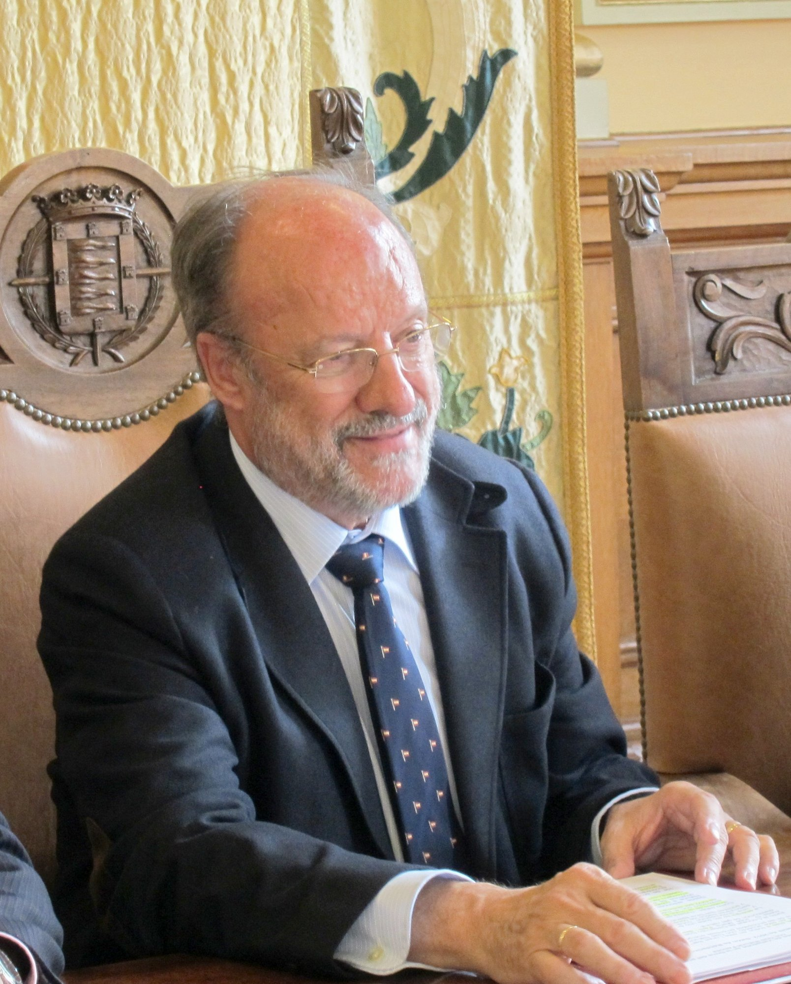 De la Riva no ha representado al Ayuntamiento de Valladolid «en ningún banco» ni cobra dietas por plenos o comisiones