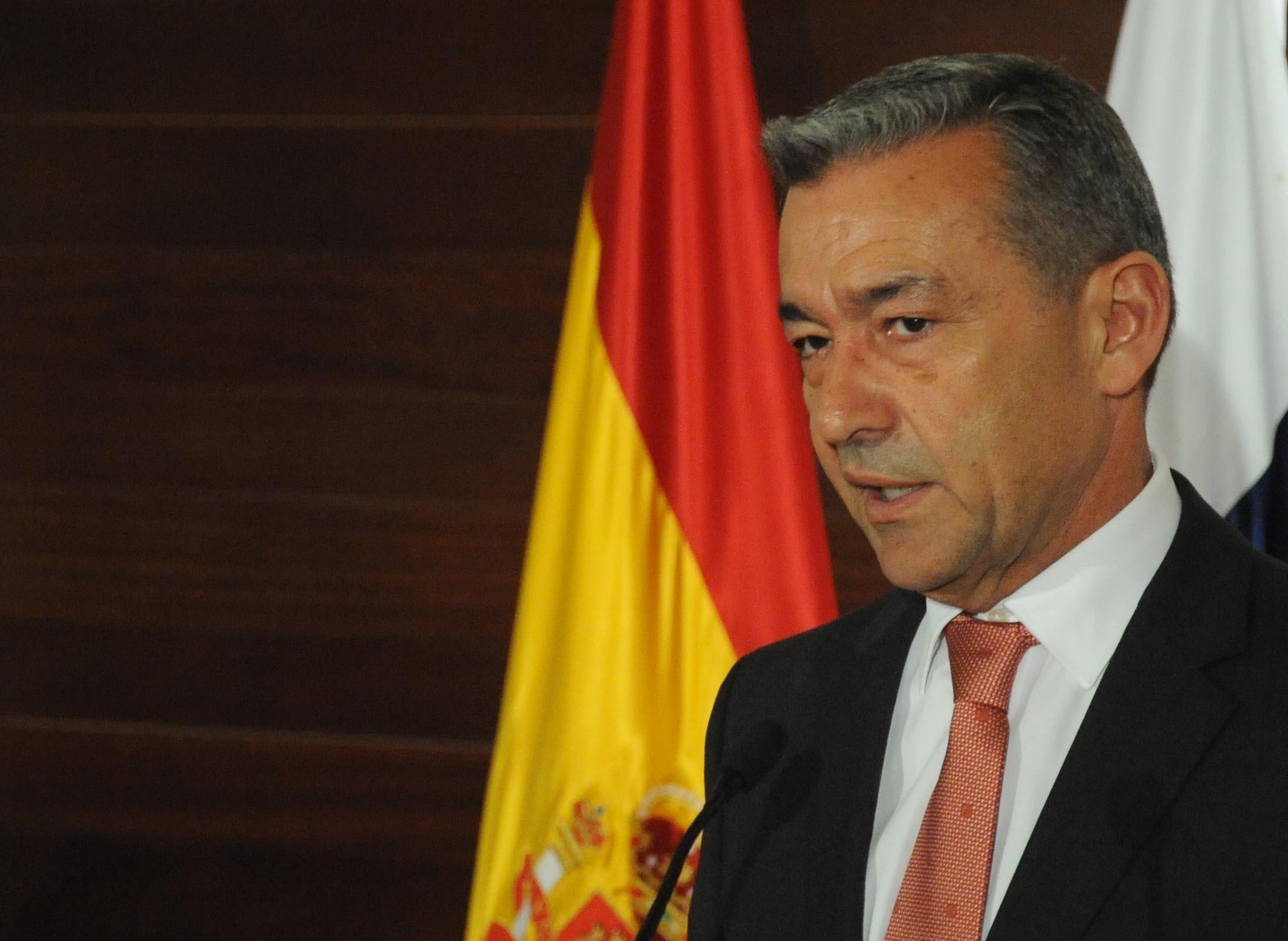 Rivero destaca la importancia de Internet para territorios como Canarias porque sirven para su «progreso»