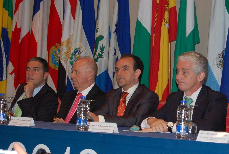 Rodríguez afirma que «no habrá virajes bruscos» y advierte de que los ajustes son el «enemigo» del sector