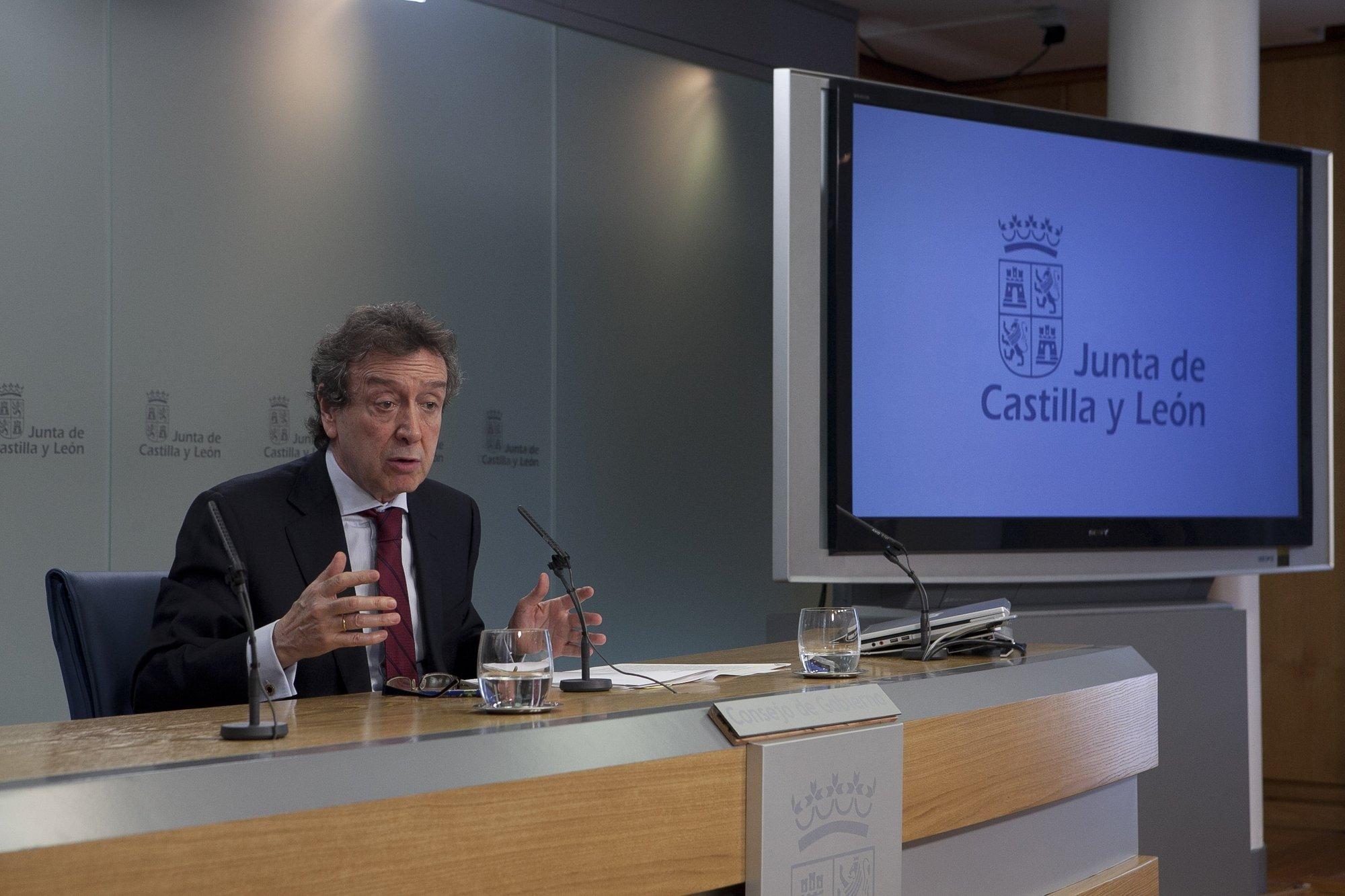 De Santiago Juárez contrapone la sensatez de CyL en sus presupuestos a los «hachazos y recortes brutales» de Andalucía