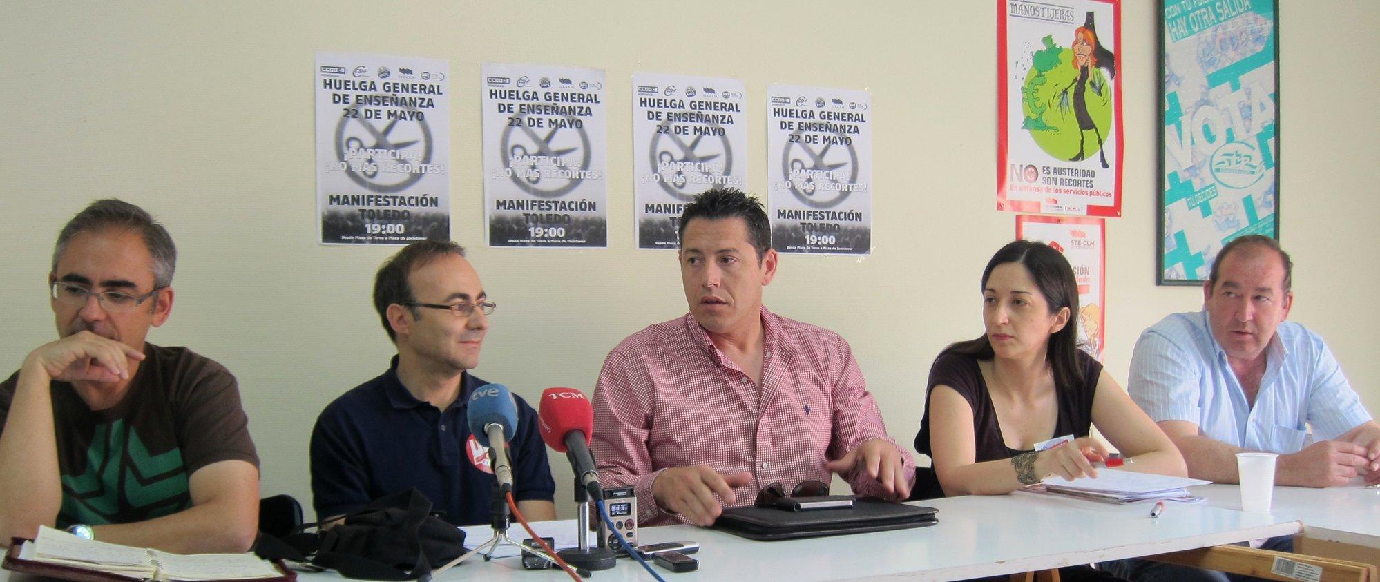 Sindicatos ven «despreciables» las justificaciones de la Junta para cerrar escuelas y piden estudios que las avalen