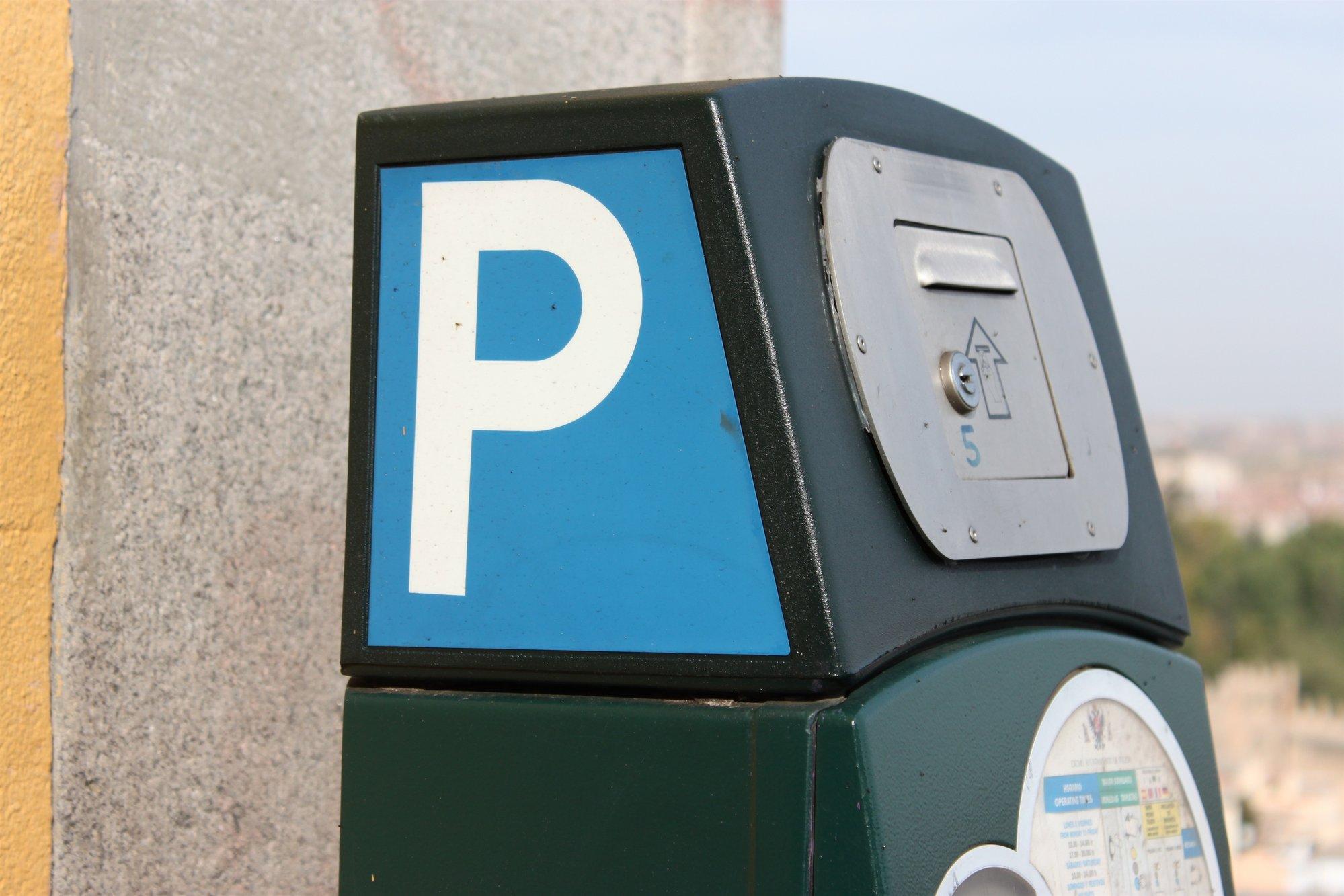 Toledo, única ciudad que baja la tarifa por estacionar en la calle desde el 2006, según la OCU