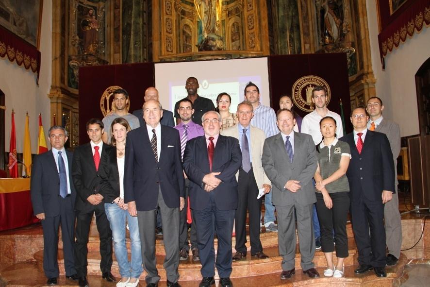 La UCAM homenajea a sus deportistas olímpicos durante la celebración de la I Jornada Nacional de Olimpismo