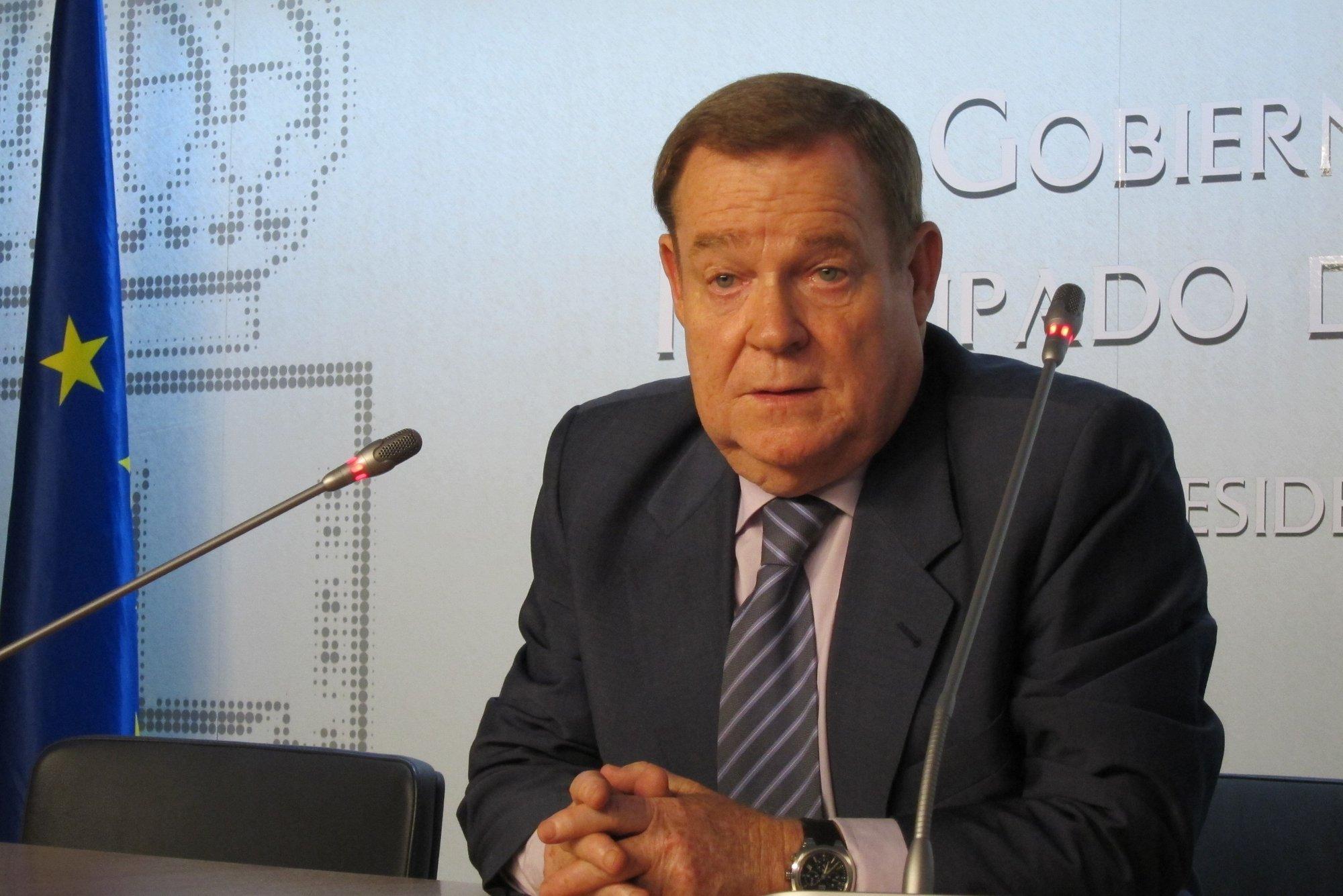 Vigón pide al nuevo Gobierno «diálogo y firmeza» con el Ejecutivo central