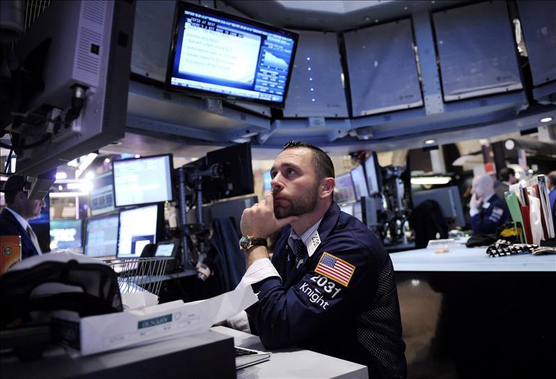 Wall Street abre casi plano con leves subidas