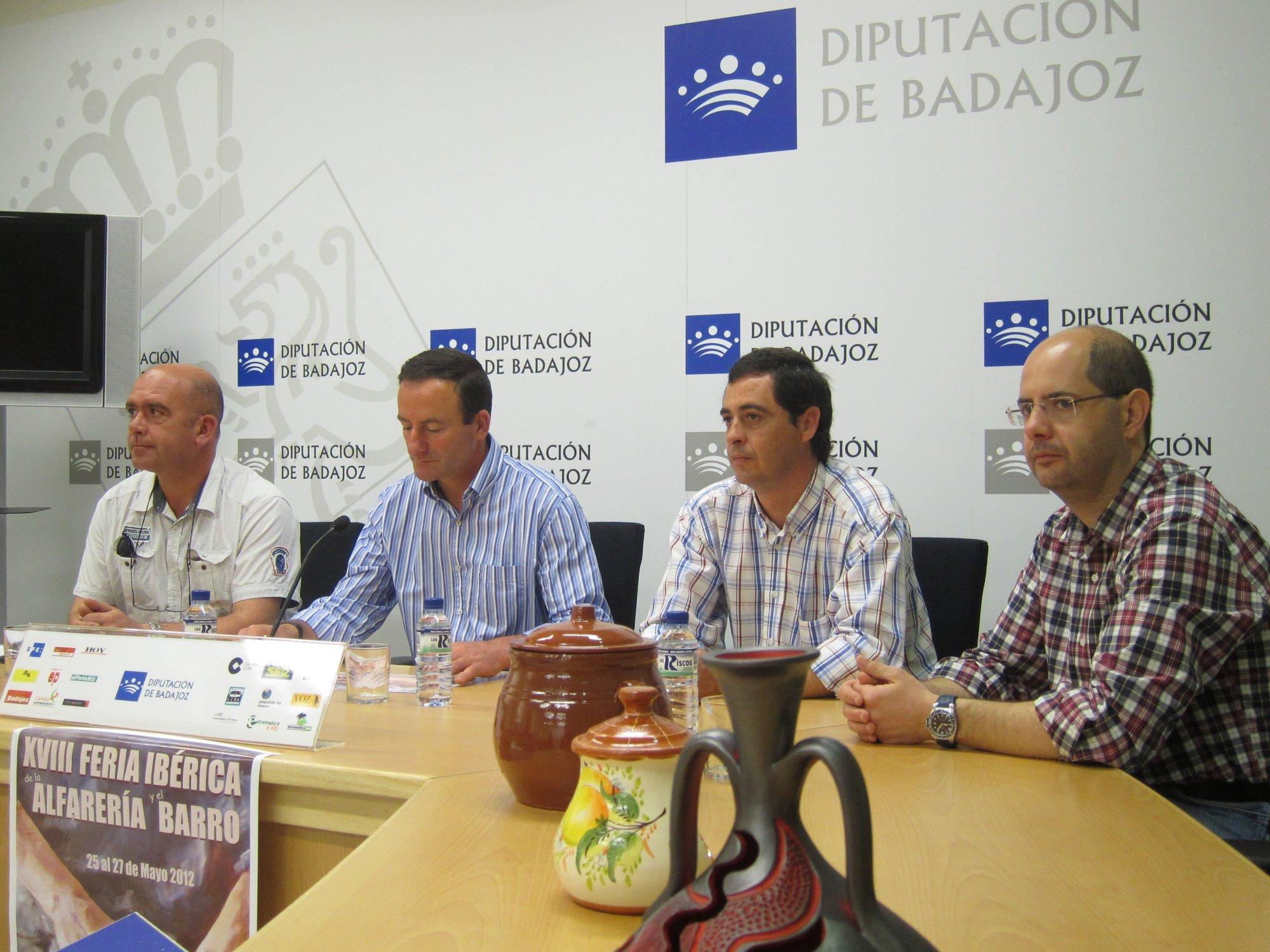 Un botijo de 4,5 metros de altura se expondrá en la XVIII Feria de la Alfarería de Salvatierra (Badajoz)
