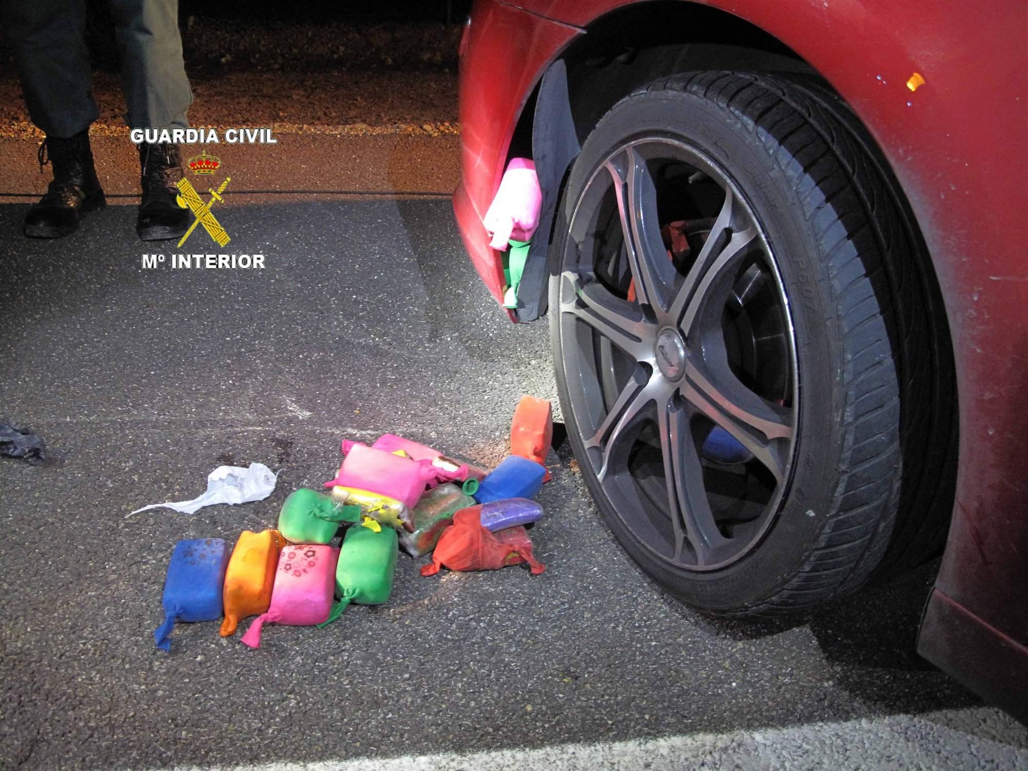 Dos detenidos en Manzanares(Ciudad Real) con 6,1 kilos de hachís que transportaban en el interior de un vehículo