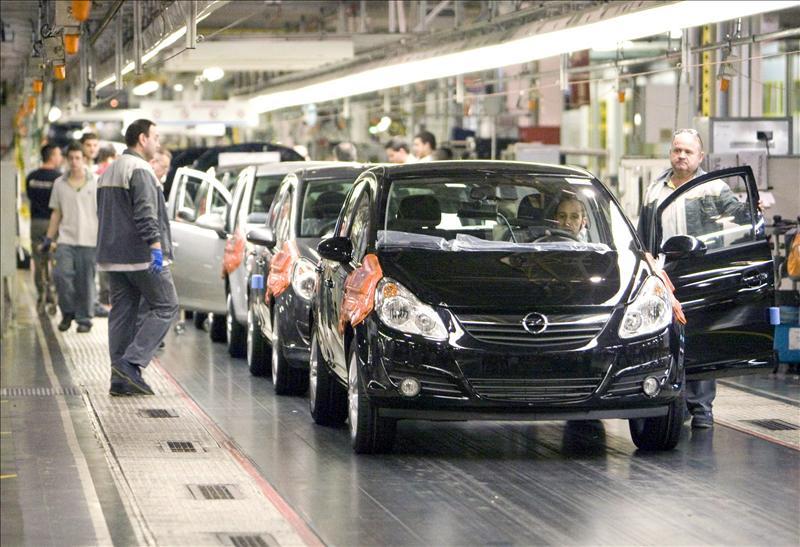 La caída de la inversión y las exportaciones lastraron la economía española
