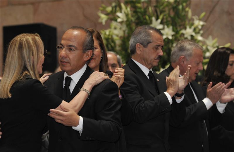 Los mexicanos dan su último adiós a Carlos Fuentes