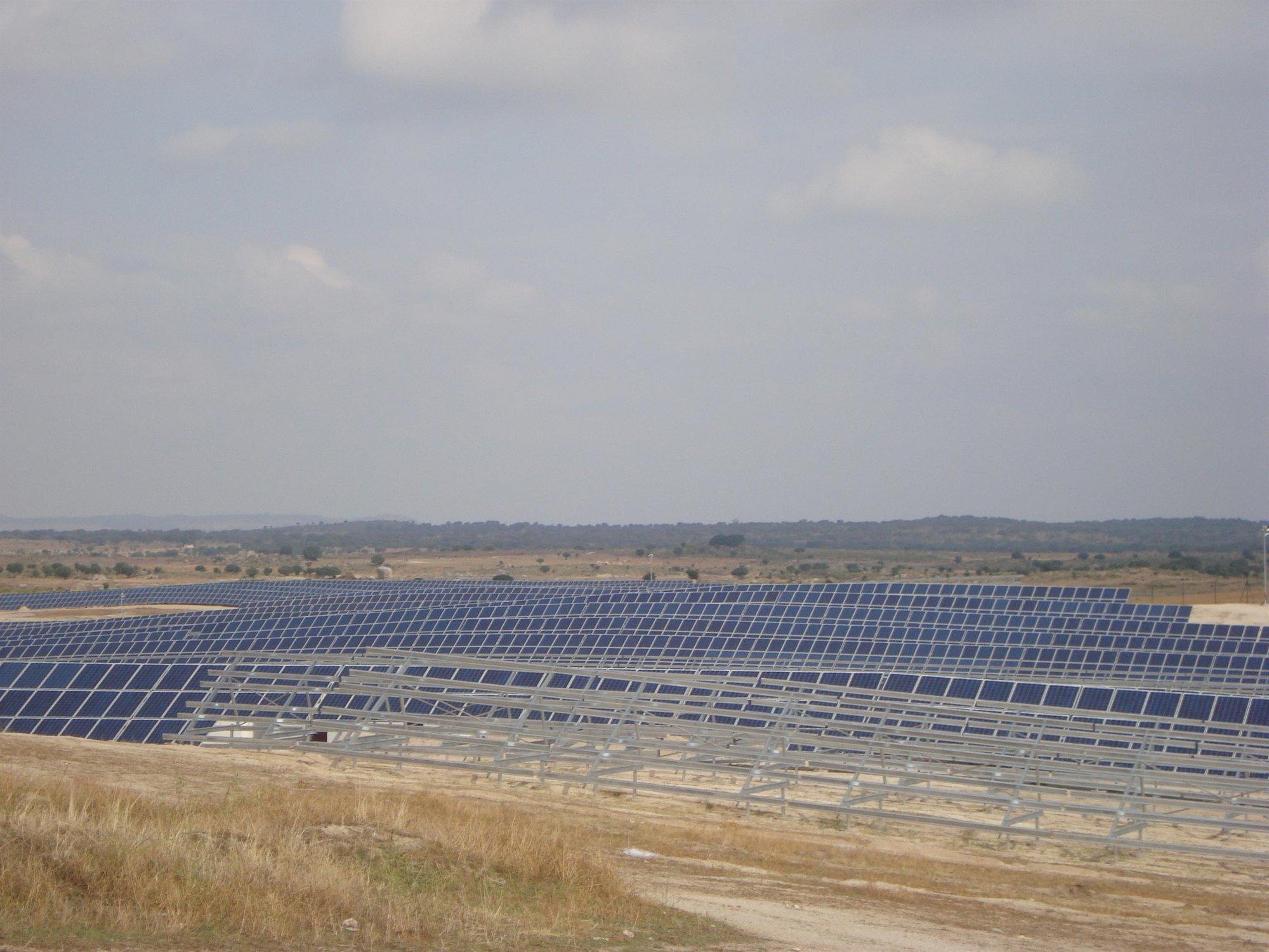 Las principales asociaciones fotovoltaicas completan su integración y dan origen a la nueva UNEF