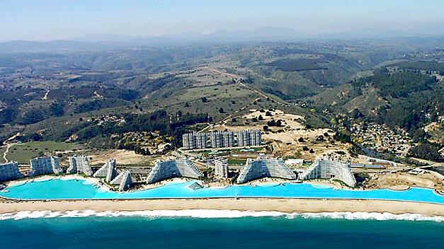 La mayor piscina del mundo mide más de un kilómetro y tiene 300 millones de litros