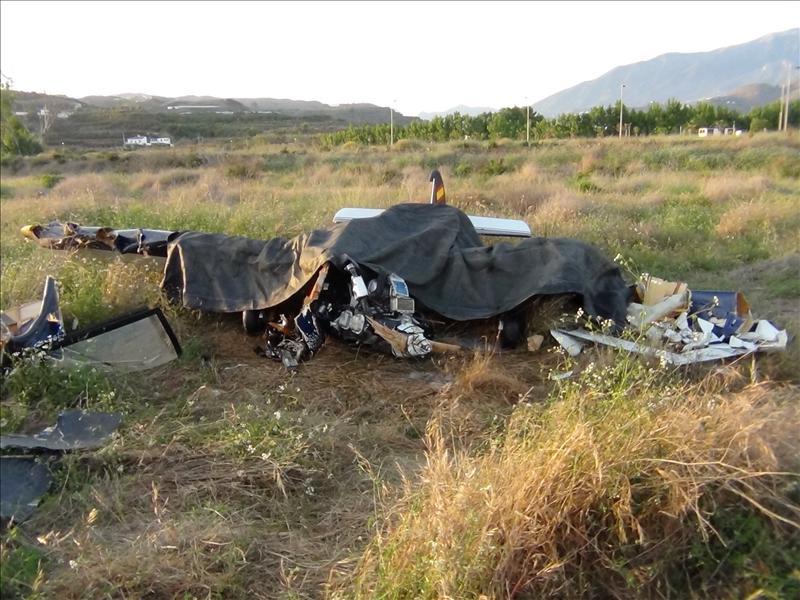 Un piloto herido al estrellarse una avioneta al despegar del aeródromo de Vélez-Málaga