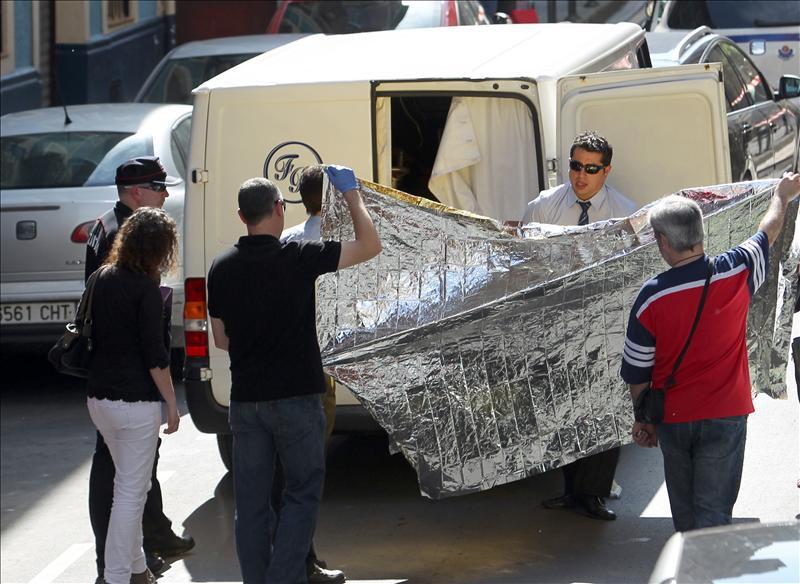 Un hombre acuchilla y mata a su vecina en Bilbao