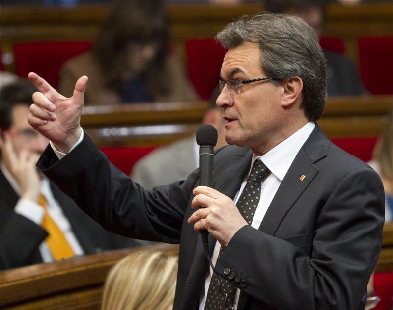 Mas reclama a Rajoy mecanismos para «mutualizar» la deuda de las autonomías