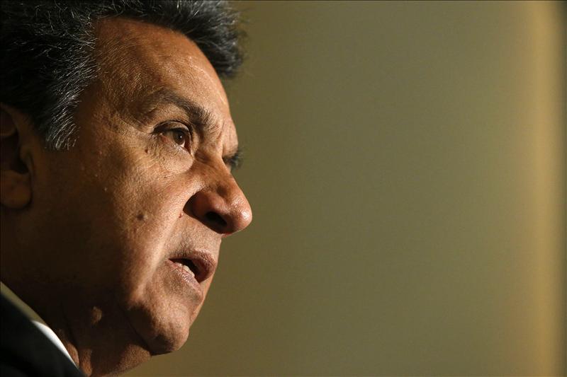 El vicepresidente de Ecuador defiende las nacionalizaciones como opción de un gobierno