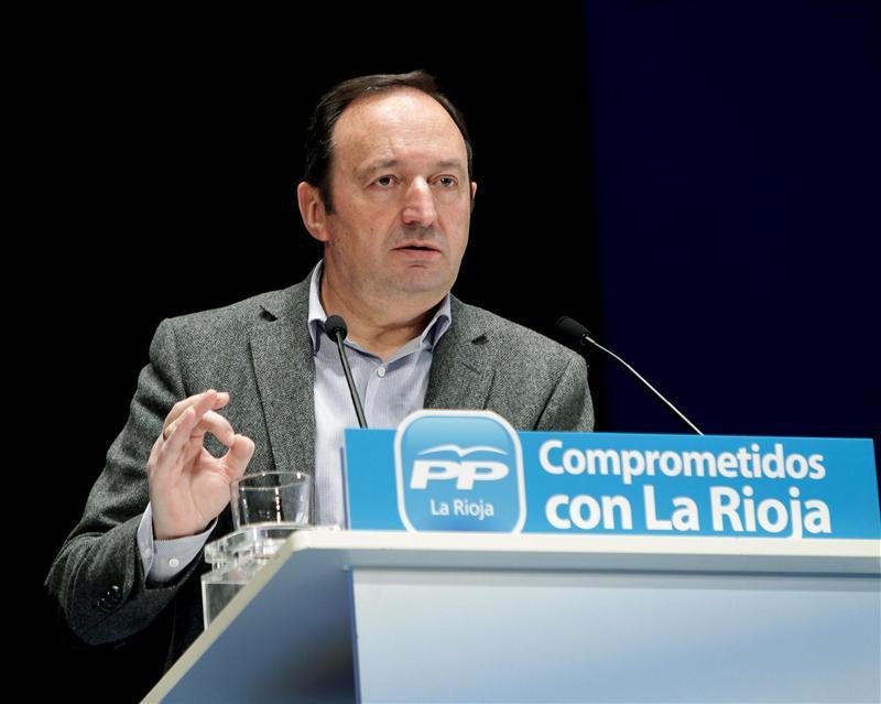 Sanz transmitirá a Rajoy su lealtad y colaboración por La Rioja y España