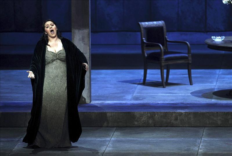 La reina aplaude una lección magistral de Zubin Mehta con «Il Trovatore»