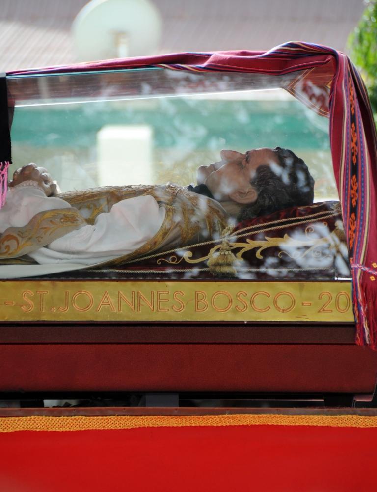 El cardenal Rouco Varela preside la acogida de las reliquias de San Juan Bosco en Madrid