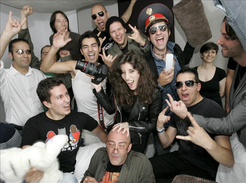 Más de cincuenta músicos de toda Galicia posan para la fotógrafa Sue Rainbow