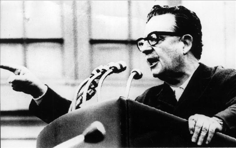 La justicia confirma que Allende se suicidió con un fusil regalado por Fidel Castro