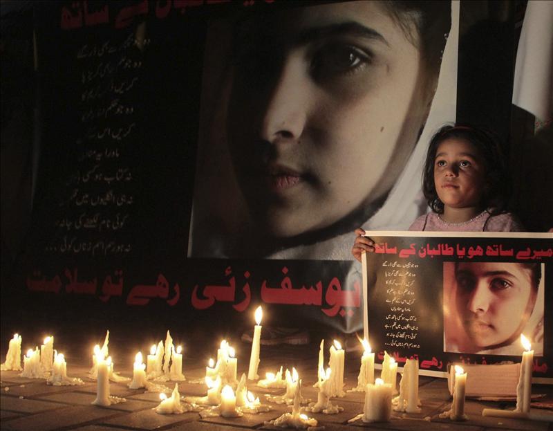 """Vigilia de oración en Pakistán por la vida de Malala, """"símbolo de cambio"""""""