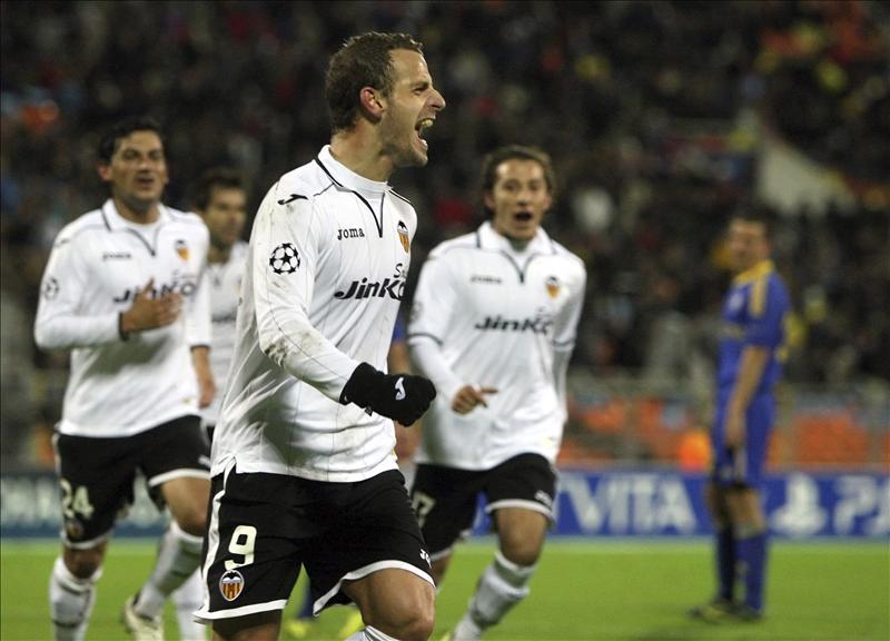 Soldado ya es el máximo goleador del Valencia en solitario en la Liga de Campeones