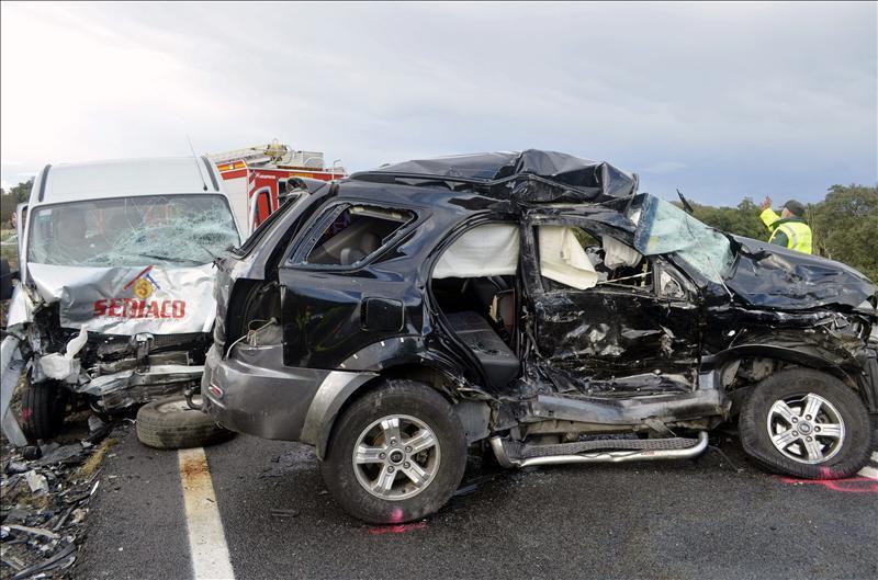 Un muerto y 4 heridos graves en un choque entre dos vehículos cerca de Plasencia